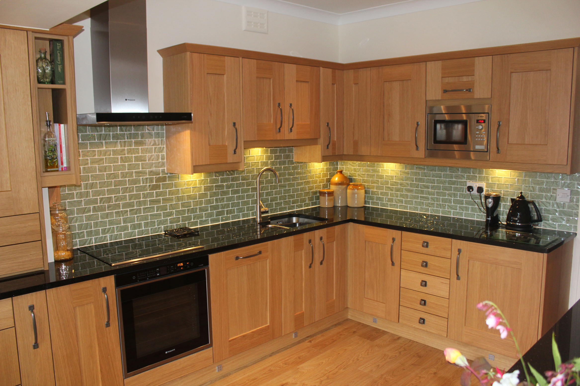 Fitted kitchens castleford bespoke kitchens for Pictures for kitchen